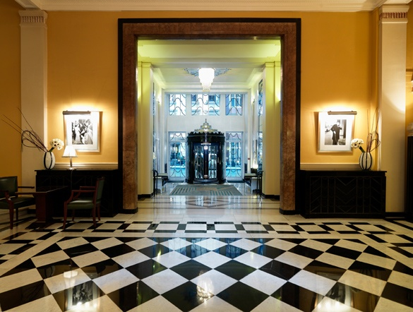 /images/Claridges-Entrance_blog%5B1%5D.jpg