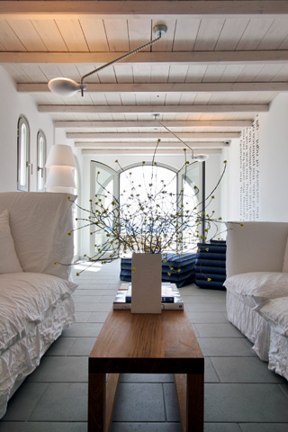 /images/gervasoni_furniture_grace_mykonos_2.jpg