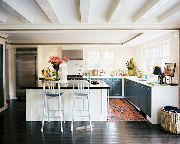/images/kilim_rug_kitchen.jpg
