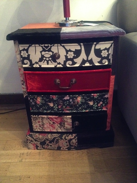 /images/liberty_london_bedside_table.jpg